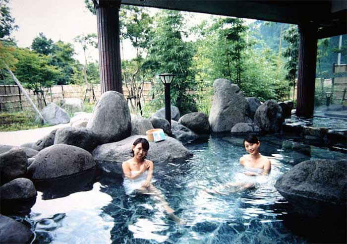 top-3-dia-diem-suoi-khoang-nong-onsen-hot-tai-viet-nam-2
